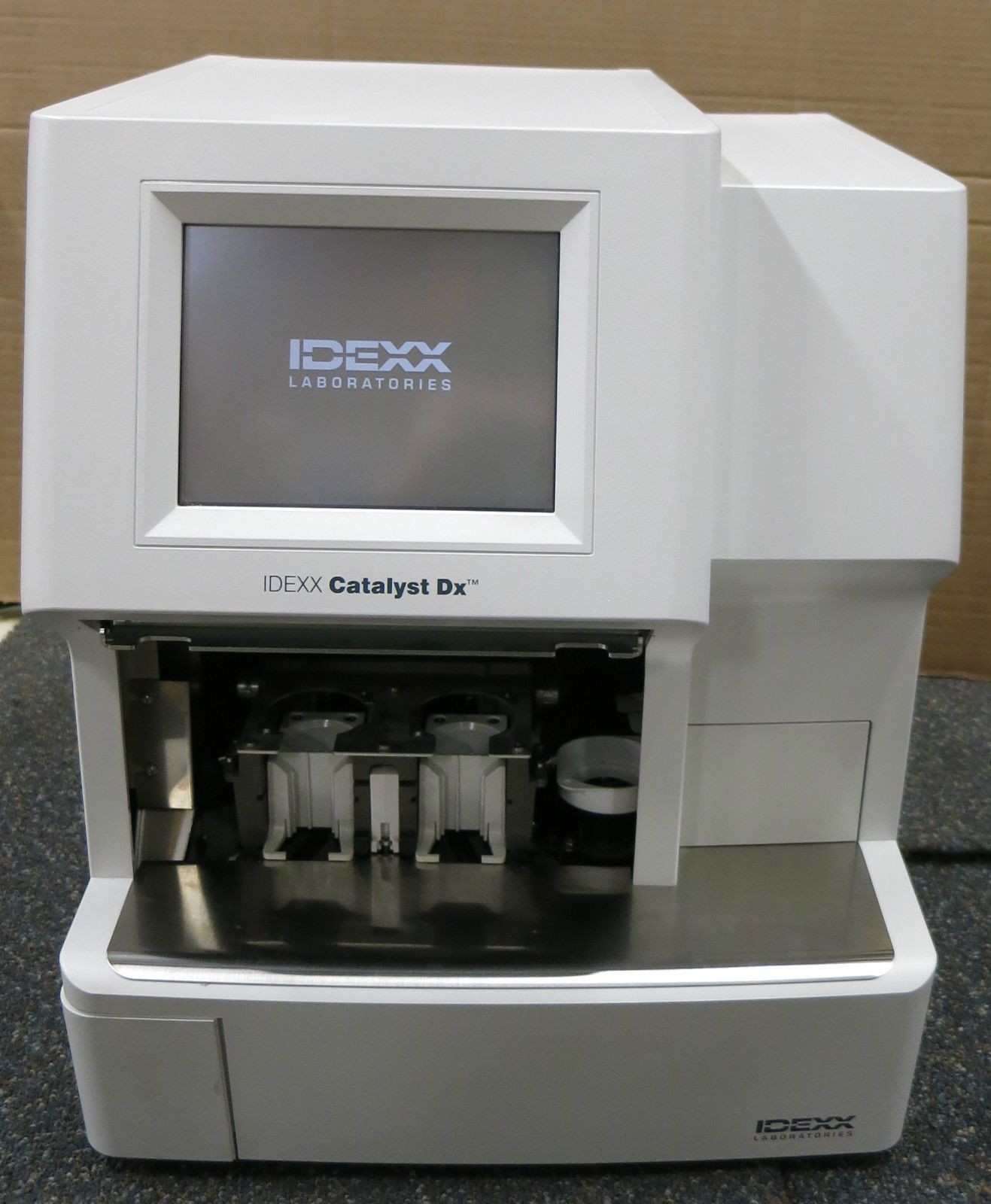 IDEXX Catalyst DX Chemistry Analyser Veterinary Laboratory